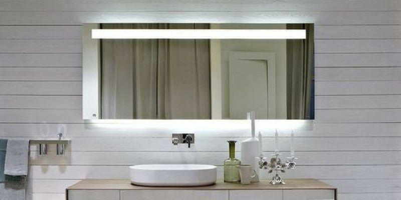 Oświetlenie lustra – warto o tym pamiętać dobierając lampy