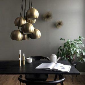 nowoczesna lampa z okrągłymi kloszami