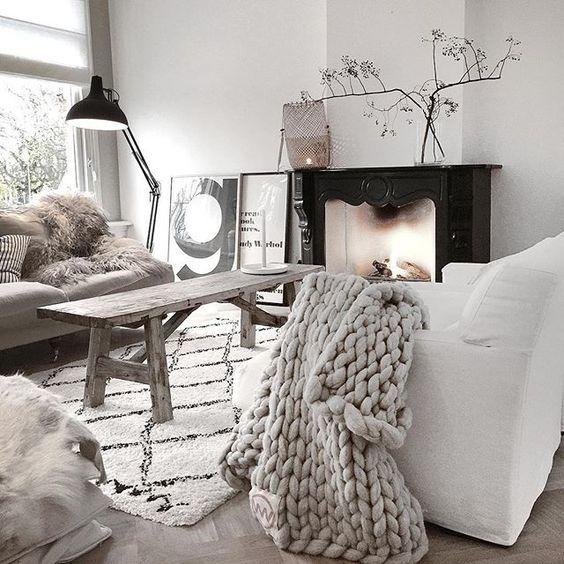 lampa czarna podłogowa na kanapę