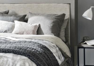 Szarość w sypialni idealna w każdym stylu