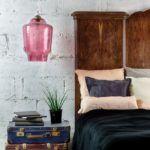 różowa lampa szklana