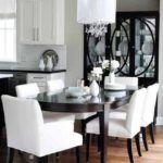 jadalnia w bieli i drewnie, elegancki żyrandol