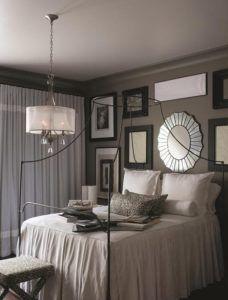 sypialnia nowoczesne glamour, żyrandol z abażurem - aranżacja