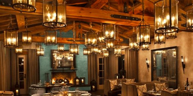 lampy w restauracji szklane
