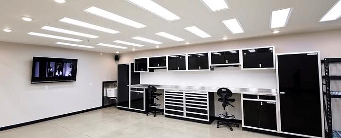 dobre oświetlenie warsztatu i garażu