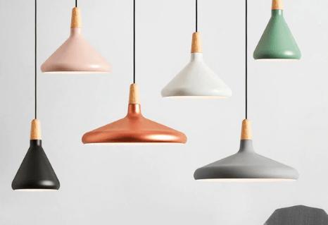 różne kolory lamp wiszących kuchennych