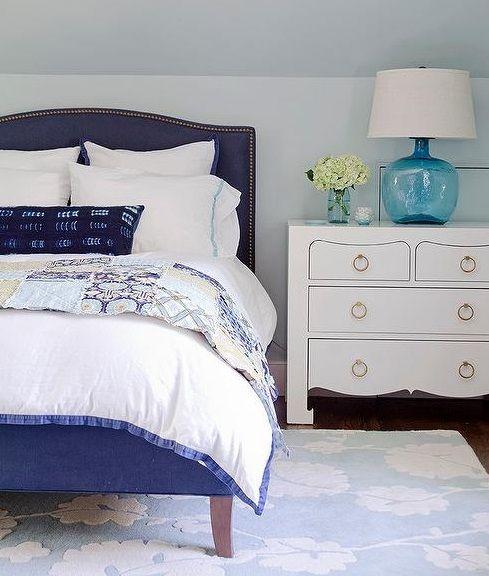 4-niebieska-lampa-stołowa-ze-szklaną-podstawą