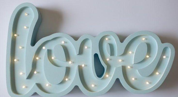 Lampy niebieskie - gdzie będą pasować najlepiej?