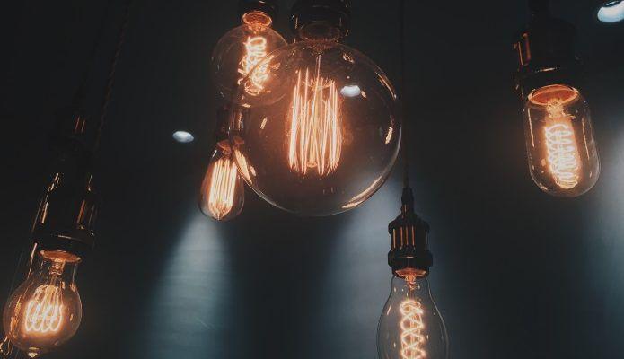 Wymień LEDy na LEDy i oszczędź 20% - żarówka żarówce nie równa?