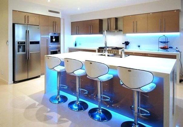 kuchnia-z-niebieskimi-taśmami-led