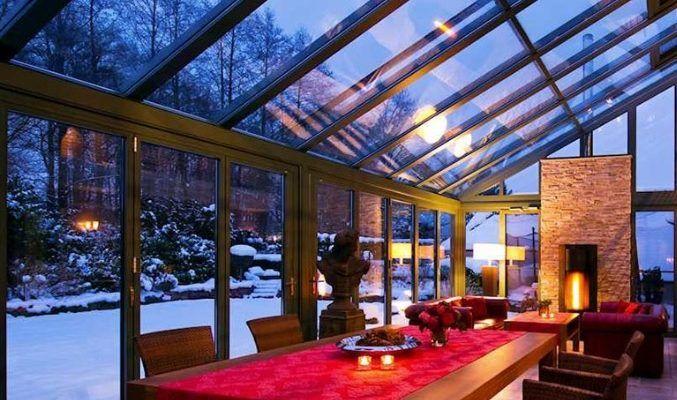 Zimowy salon – jak urządzić i oświetlić ogród zimowy?