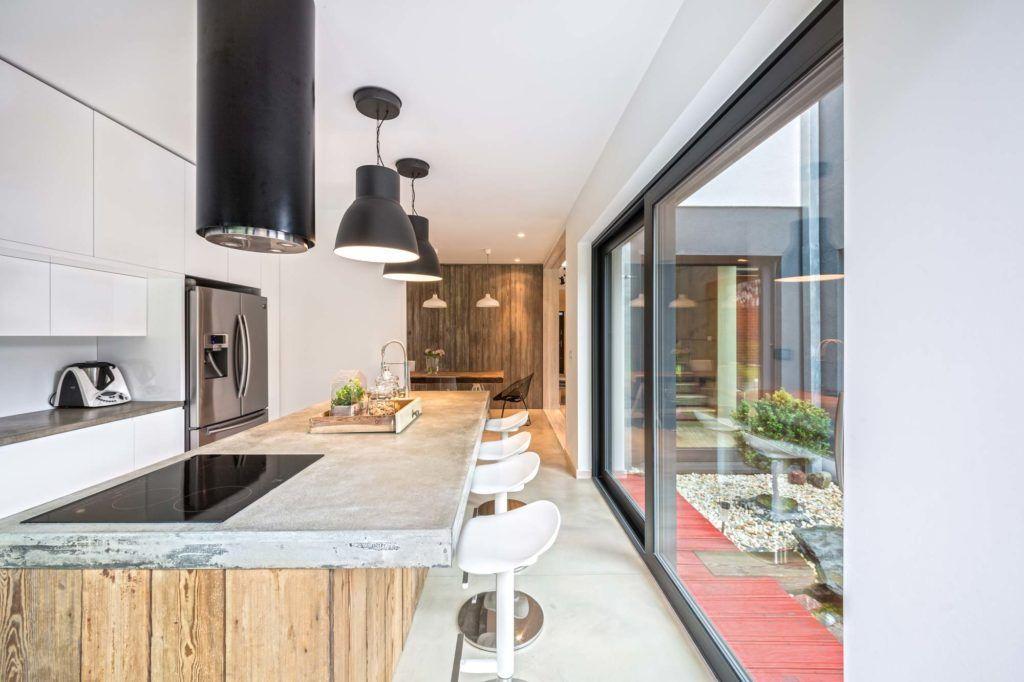 2-nowoczesne-lampy-wiszące-do-kuchni-oraz-jadalni