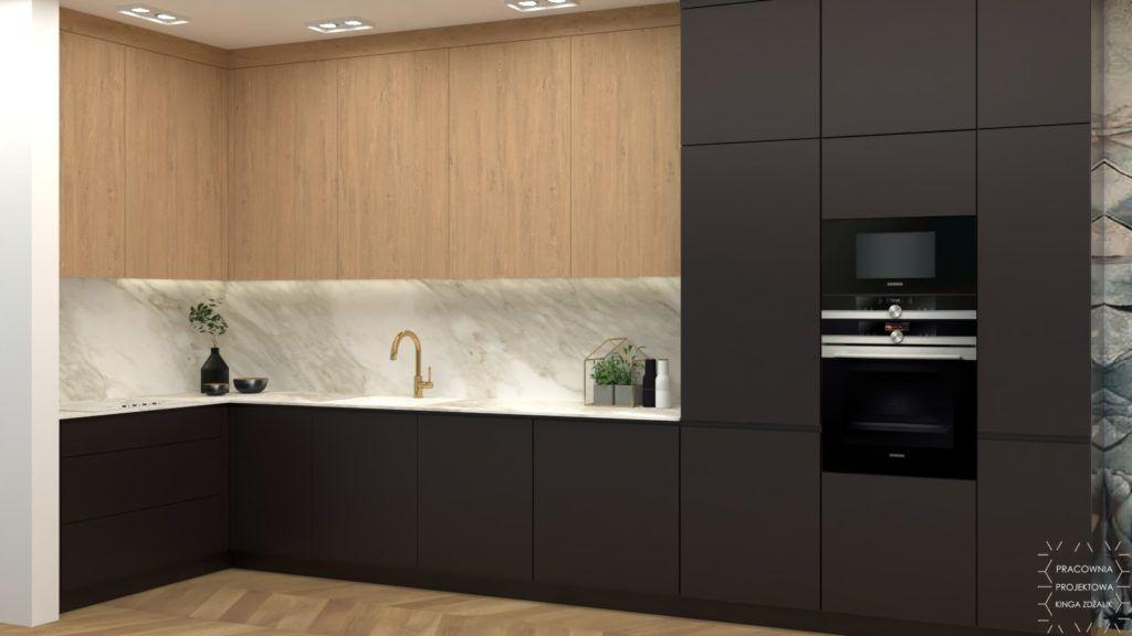 drewniana czarna kuchnia z marmurem