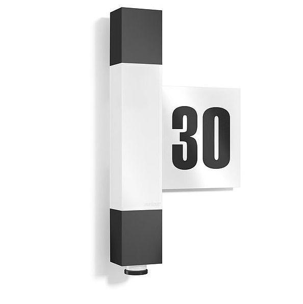 podłużny kinkiet na elewacje z numerem domu podświetlenie