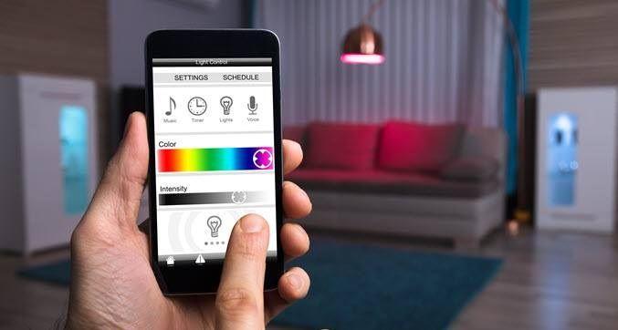 oświetlenie sterowane aplikacja z telefonu