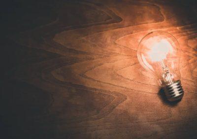 Czy żarówki i lampy LED są szkodliwe lub groźne dla zdrowia? Obalamy mity o świetle LED