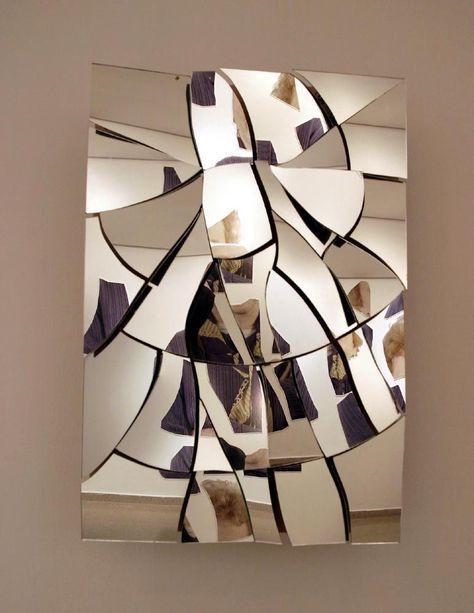 mocowanie kinkietu na lustrze