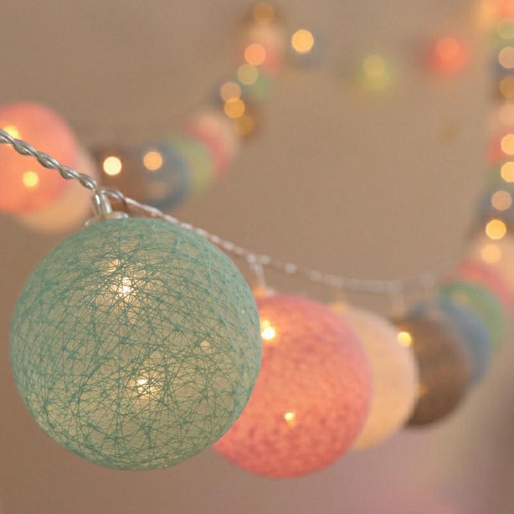 girlanda cotton balls