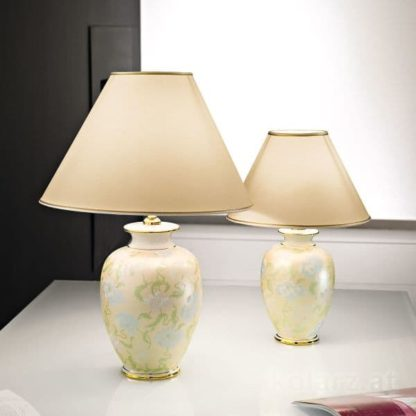 klasyczna lampa stołowa, pastelowy wzór
