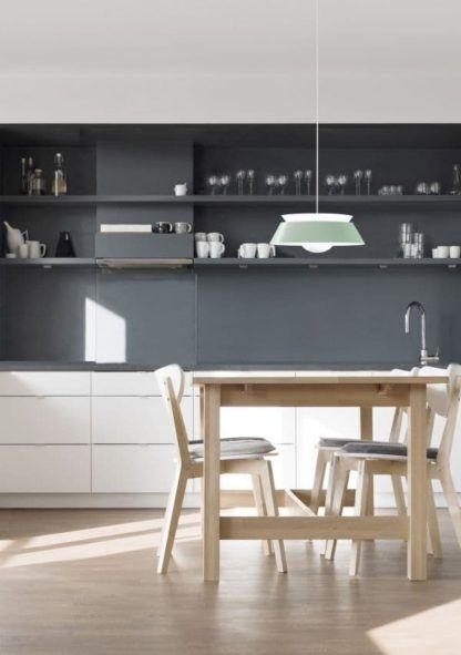 lampa wisząca z metalu, styl skandynawski - aranżacja nowoczesna kuchnia