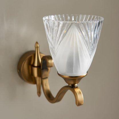 Klasyczny kinkiet Columbia - Interiors - dekoracyjne szkło