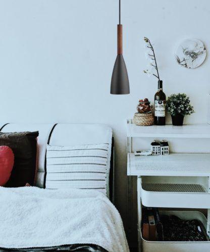 lampa do sypialni - wisząca nad łóżkiem