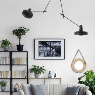 Czarna lampa wisząca z dwoma źródłami światła Arigato II - Grupa Products - długie ramiona