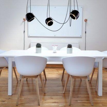 żyrandol pająk czarny - nad stołem w kuchni
