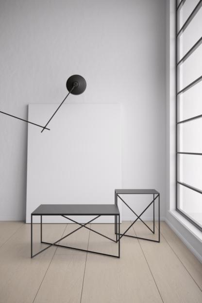 czarna geometryczna lampa podłogowa