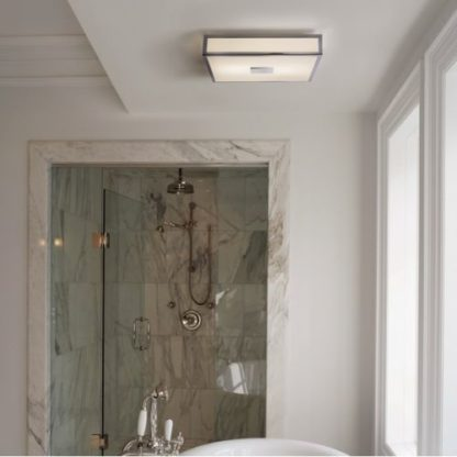 łazienkowy plafon na świetlówkę - aranżacja