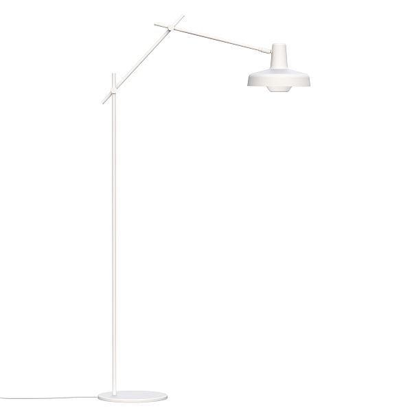 metalowa lampa podłogowa, nowoczesna, wysokie ramię