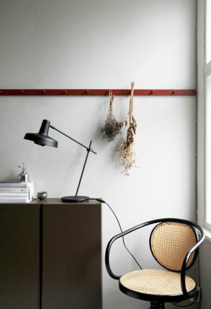 lampa biurkowa z regulacją czarna