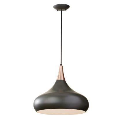nowoczesna lampa wisząca z brązowym kloszem