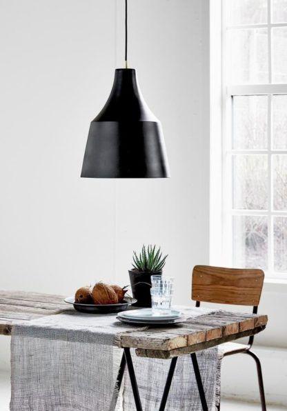 metalowa lampa wisząca scandi, aranżacja