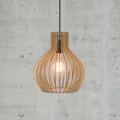 ażurowa lampa wisząca ze sklejki, scandi