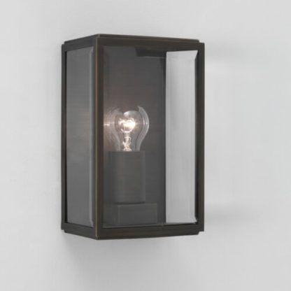 szklany kinkiet skrzyneczka bezbarwna z brązową obudową z metalu, kinkiet do wnętrza i na zewnątrz domu