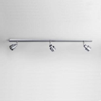 minimalistyczna, nowoczesna lampa sufitowa szynowa z trzema niewielkimi reflektorami z możliwością regulacji