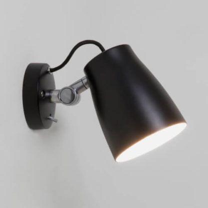 metalowy, czarny kinkiet z ruchomym kloszem, nowoczesny design