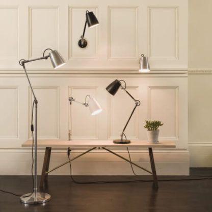 nowoczesne lampy z regulowanymi kloszami i ramionami, proste, współczesne kształty, minimalistyczny design