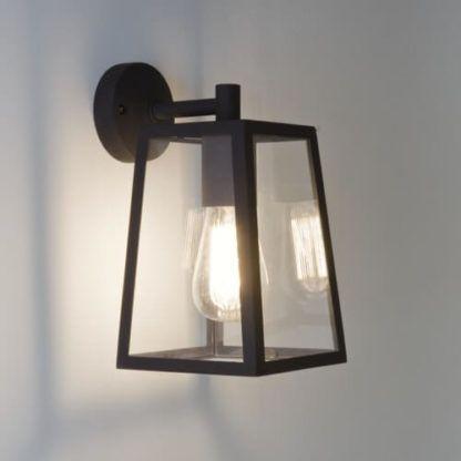 geometryczny kinkiet przezroczyste szkło w czarnej obramówce, styl industrialny, rustykalny, klasyczny