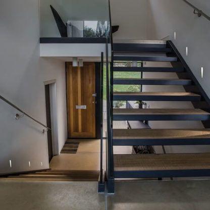 wpuszczany kinkiet na klatkę schodową