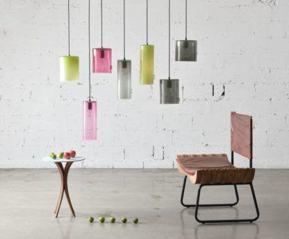 nowoczesne lampy z kolorowego szkła - aranżacja