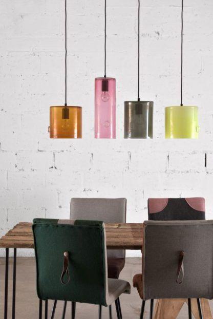 szklane lampy wiszące w różnych kolorach