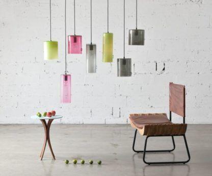 nowoczesne lampy wiszące z barwionego szkła