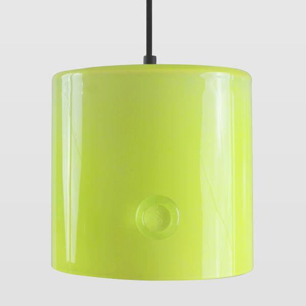 szklane lampy wiszące, żółte - aranżacja neon