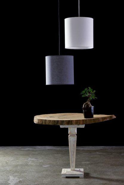cylindryczna lampa wisząca z materiałowym abażurem