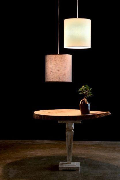 lampa wisząca z szarym abażurem - aranżacja