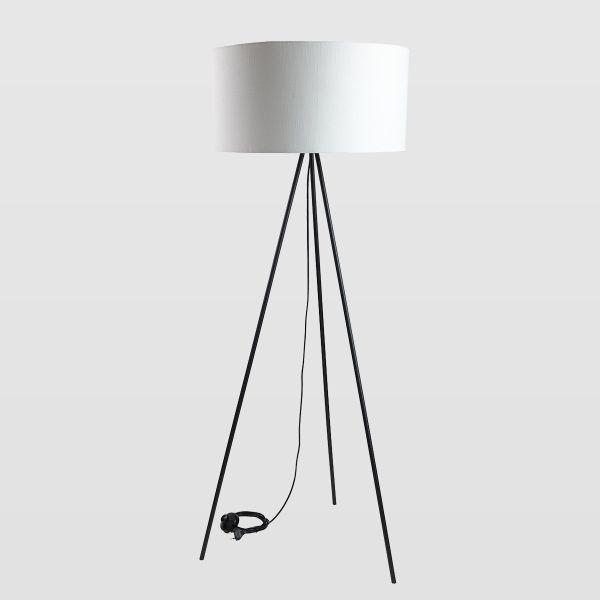 nowoczesny trójnóg z białym abażurem, lampa podłogowa