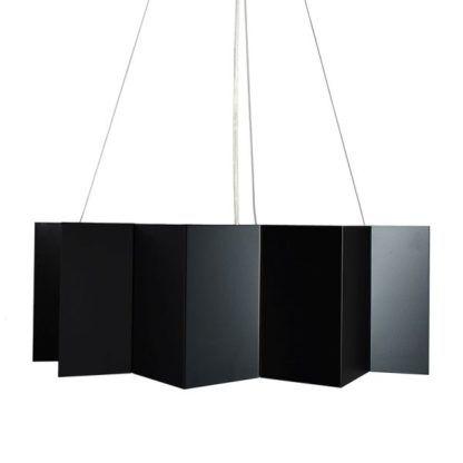 czarna lampa wisząca, metalowy klosz harmonijkowy
