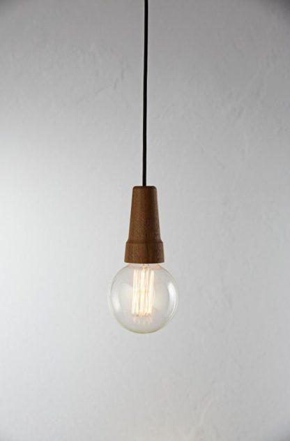 drewniana lampa wisząca w stylu skandynawskim, drewniane zawieszenie do kloszy
